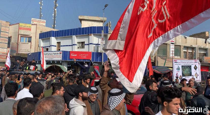 بالصور: تشييع احد شهداء في ساحة الحبوبي بالناصرية، استشهد متأثرا بجراحه